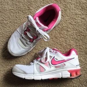 Nike Women's 'Reax Rocket 2' Mesh Athletic Shoe